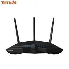 Thiết bị phát Wifi chuẩn AC 1900Mbps Tenda AC18 (chuyên cho game thủ/quán cafe lớn) 50 khách